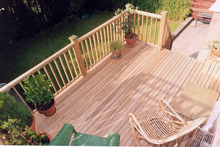 Back garden decking for Garden decking companies